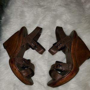 Zara    Women  Collection Size 10 Wood Wedges
